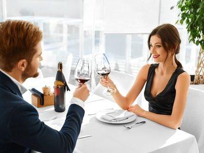 Servicios de Escorts - Servicio de Cenas Privadas y Eventos con Escort - Agencia de Escorts Lola Martí