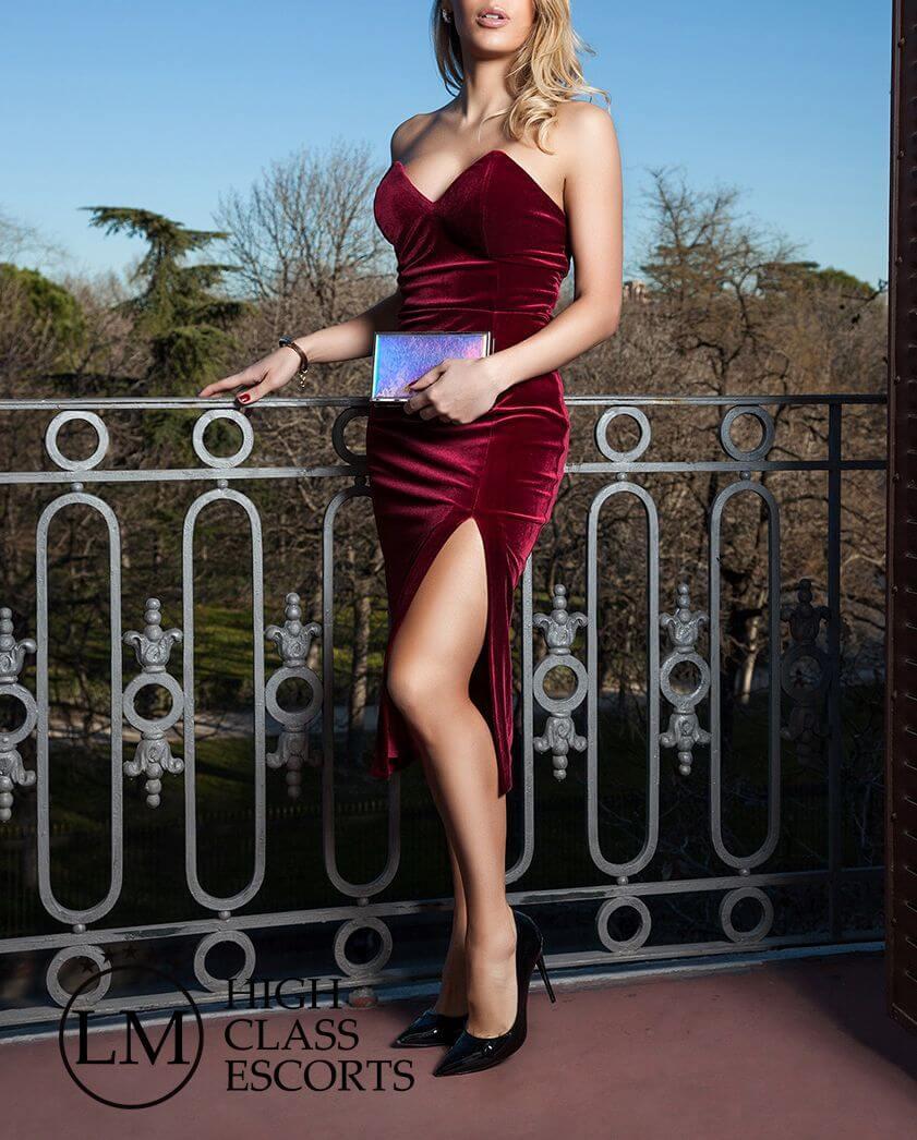 Cristina Escort de Barcelona – Escort de lujo en Barcelona – Agencia de Escorts Lola Marti
