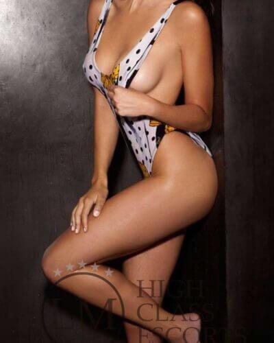 elena escort barcelona 11 400x500