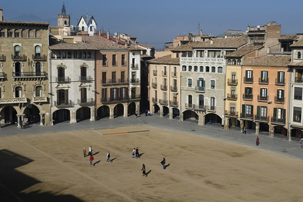 Los pueblos más bonitos de Cataluña para visitar con tu escort de lujo